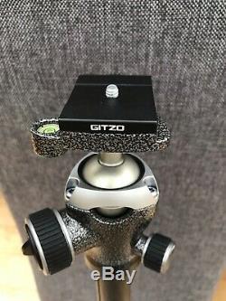Gitzo GK2545T-82QD Series 2 Traveler Carbon Fiber Tripod RRP £1,029