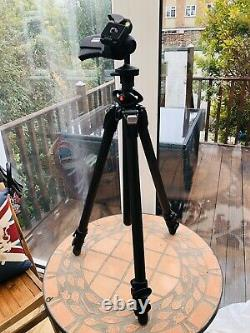 Manfrotto 055 (055CXPRO3) carbon fibre 3-section photo tripod with 322RC2 Head
