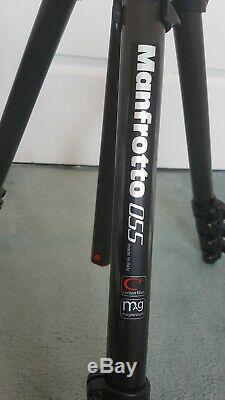 Manfrotto MT055CXPRO4, Carbon Fibre 4 Section Tripod, Horizontal Column & Case