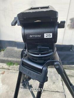 Miller Tripod ARROW 25 2 stage carbon legs, mid spreader and carry case