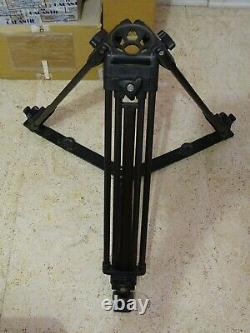 Vinten 3523-3 2-stage carbon fiber tripod 100mm base with ground spreader